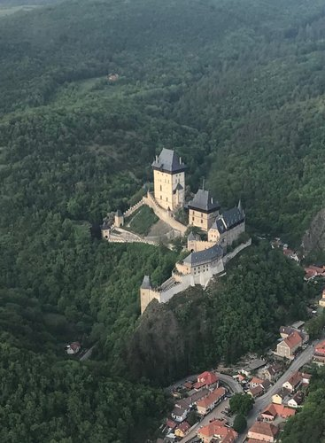 Scenic flight for 1 person from Prague to Karlštejn and Konopiště