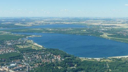 Erlebe Leipzig und seine Seenlandschaft aus der Luft