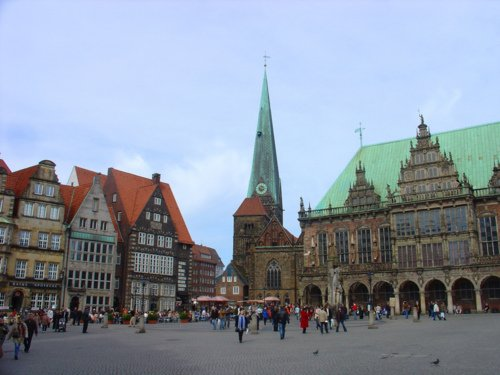 Explore Bremen, with options to stop en route, PA28
