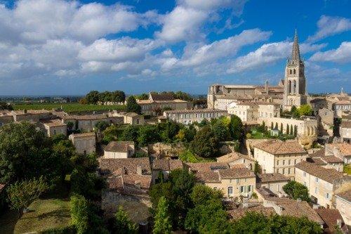 St Emilion et ses grands Châteaux vus du ciel, Aquila A210