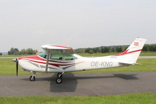 Cessna TR182