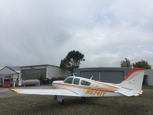 Beechcraft Bonanza BE33