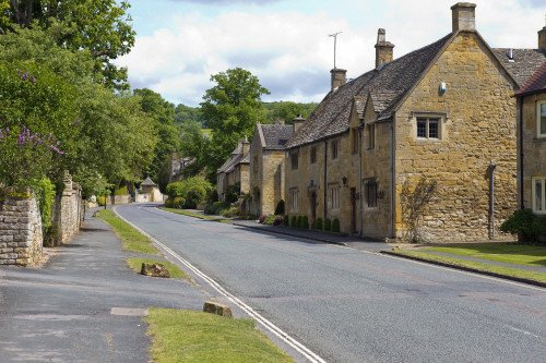 Cotswold sightseeing, approximately 1 hr.