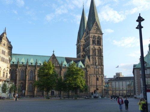 Explore Bremen, with options to stop en route.