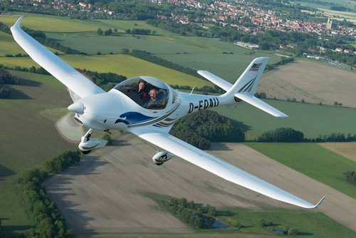 Aquila A211