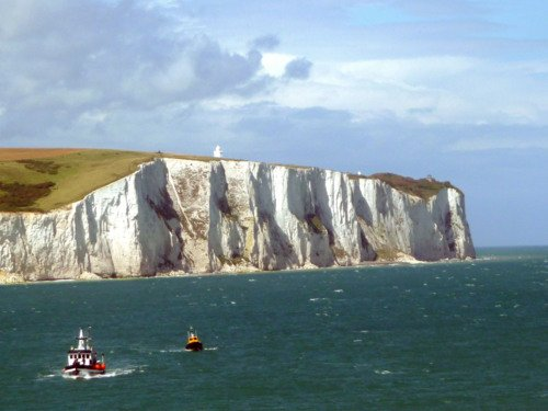 Sightseeing over the White Chalk Cliffs